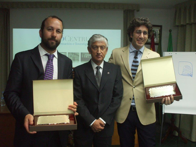Doctores Fabio Vignoletti Daniel Rodrigo PerioCentrum Implantes Post-extracción SEPA Jaén 2014