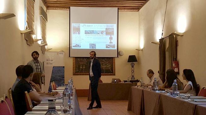 Los doctores del Grupo PerioCentrum en la charla organizada por INIBSA.