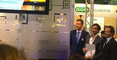 El Dr. Ortiz-Vigón recibe el premio a la mejor Comunicación Oral en SEPA Málaga