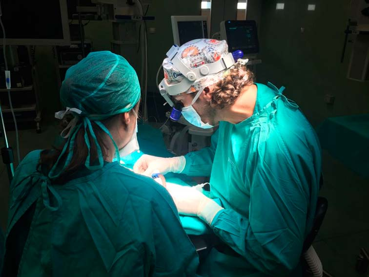 El Dr. Vignoletti visita el Centro de Cirugía de Mínima Invasión Jesús Usón