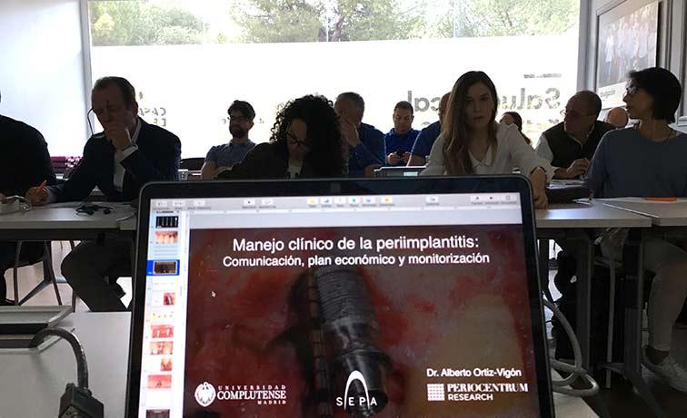 El Dr. Ortiz-Vigón, ponente del curso SEPA sobre periimplantitis