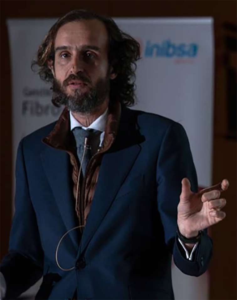 """Ramón Lorenzo lleva """"La magia del tejido blando"""" a Santiago de Compostela"""